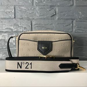 No.21 Crossbody Bag
